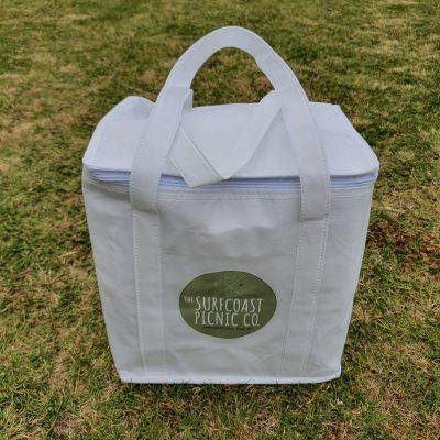 Picnic carry cooler bag
